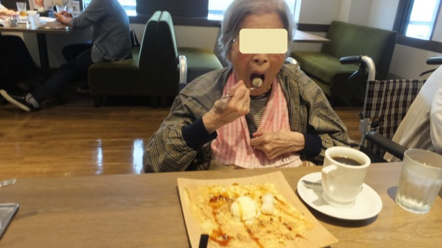 桜英水苑『喫茶店で美味しいスイーツを食べました!』